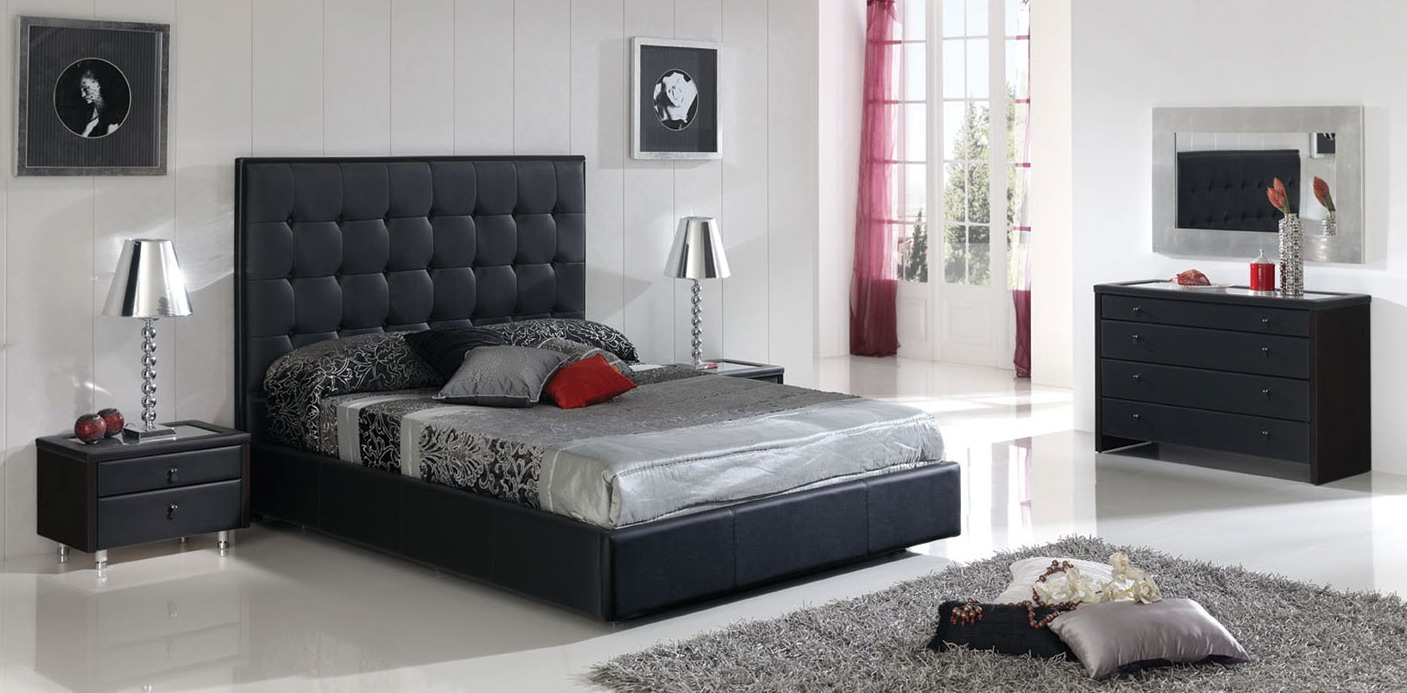 sexy bedroom ideas with silvery beddings