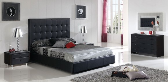 Sexy-Bedroom-Ideas-with-Silvery-Beddings